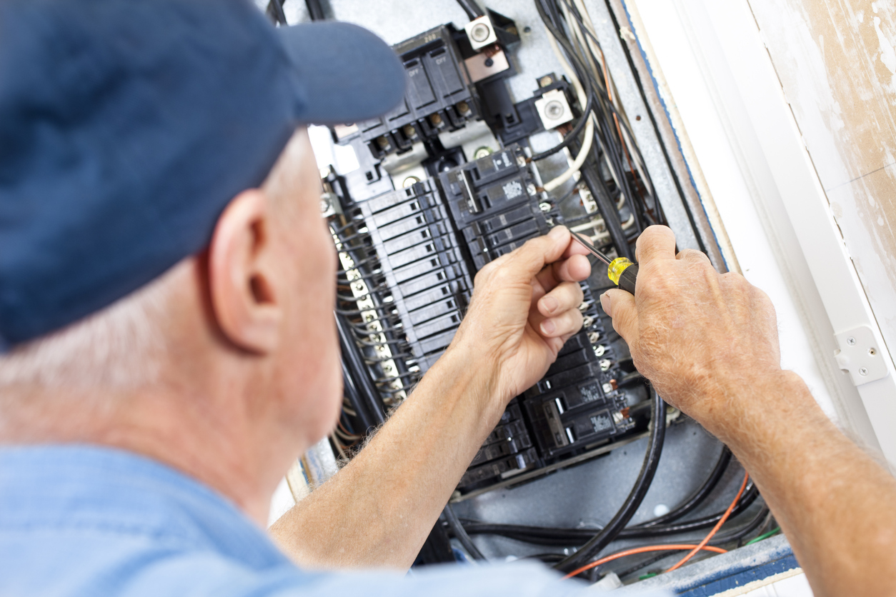 What to do when your circuit breaker trips in Miami — and what not to do
